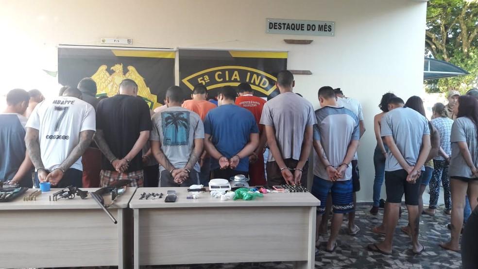 Grupo ficará preso na cadeia de Cianorte — Foto: PM/Divulgação