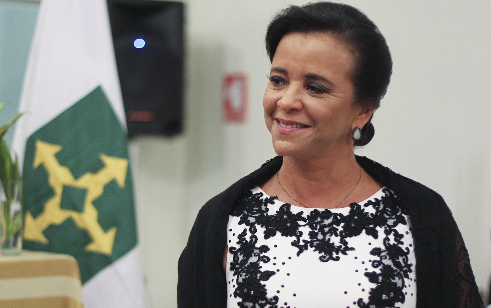 Márcia Rollemberg 'reage muito bem' a tratamento contra câncer, diz GDF