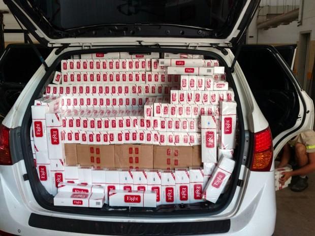 Homem confessou que carga veio do Paraguai, diz polícia (Foto: Divulgação/ Polícia Rodoviária Avaré)