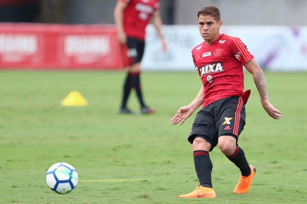 Cuéllar renovou com o Flamengo até o meio de 2022 (Foto: Gilvan de Souza / Flamengo)