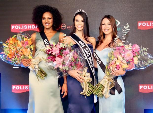 Paula Palhares com Leticia Lopes, de Guariba, e Natália Oliveira, de Santos (Foto: Manuela Scarpa/Brazil News)
