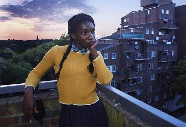 Michaela Coel revelou que sofreu abuso sexual enquanto trabalhava na série britânica 'Chewing Gum' (Foto: Divulgação)