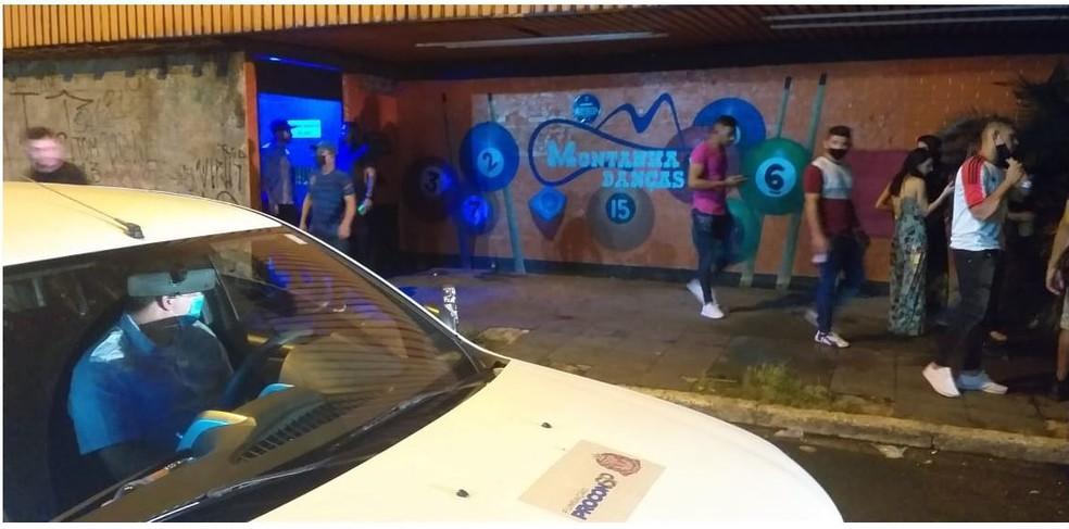 Procon acaba com festa para 500 pessoas em casa noturna na Zona Norte de São Paulo — Foto: Divulgação/Procon SP
