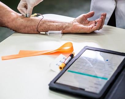 Em Serrana, moradores têm anticorpos 3 meses após 2ª dose da CoronaVac