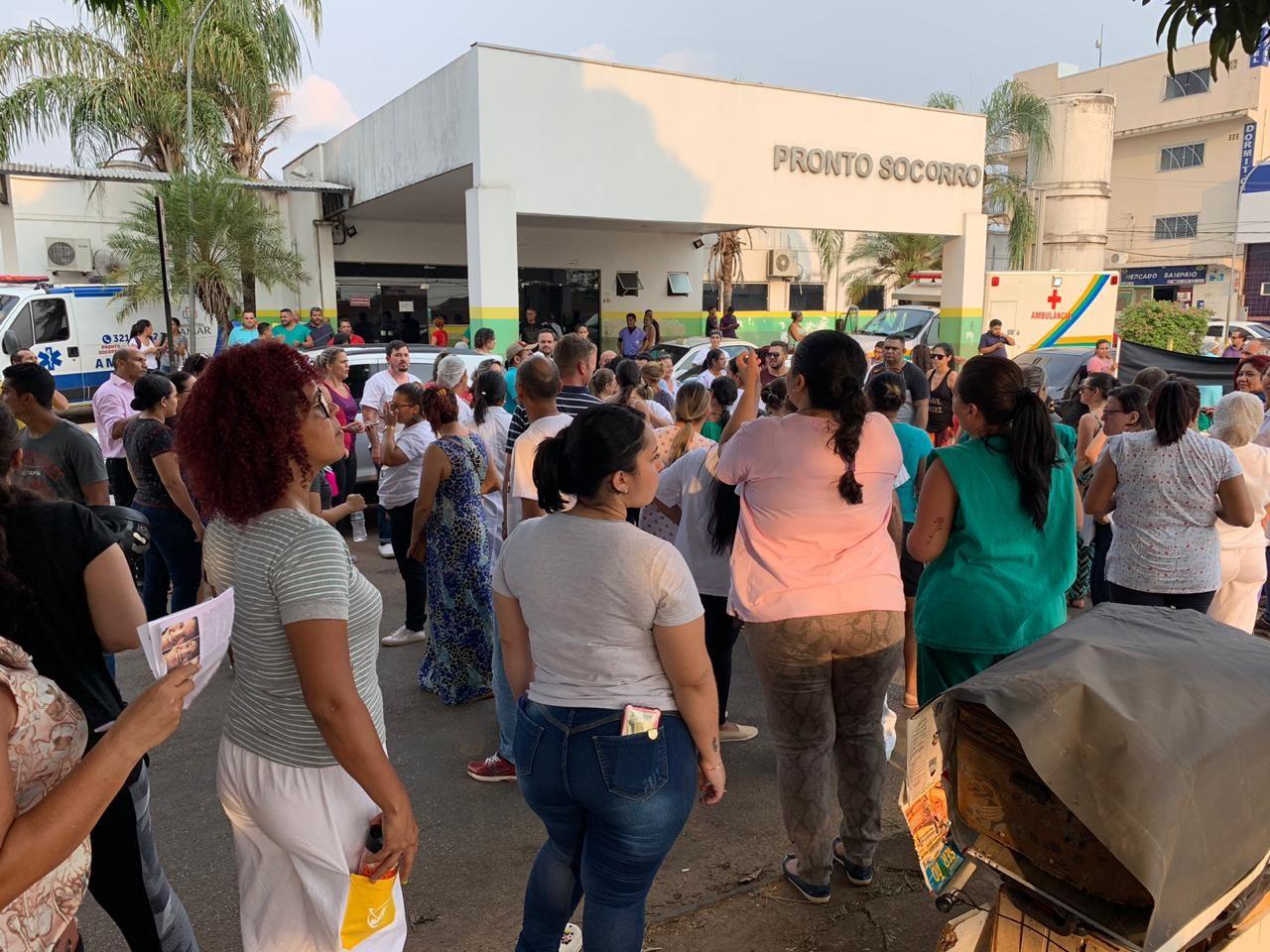 Manifestação é realizada em RO contra o aumento no número de plantões dos profissionais de enfermagem - Notícias - Plantão Diário