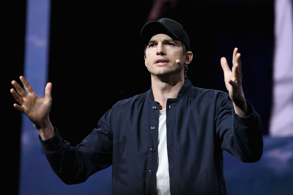 LOS ANGELES, CA - JANUARY 09:  Ashton Kutcher speaks onstage during WeWork Presents Second Annual Creator Global Finals at Microsoft Theater on January 9, 2019 in Los Angeles, California.  (Photo by Michael Kovac/Getty Images for WeWork) (Foto: Getty Images for WeWork)