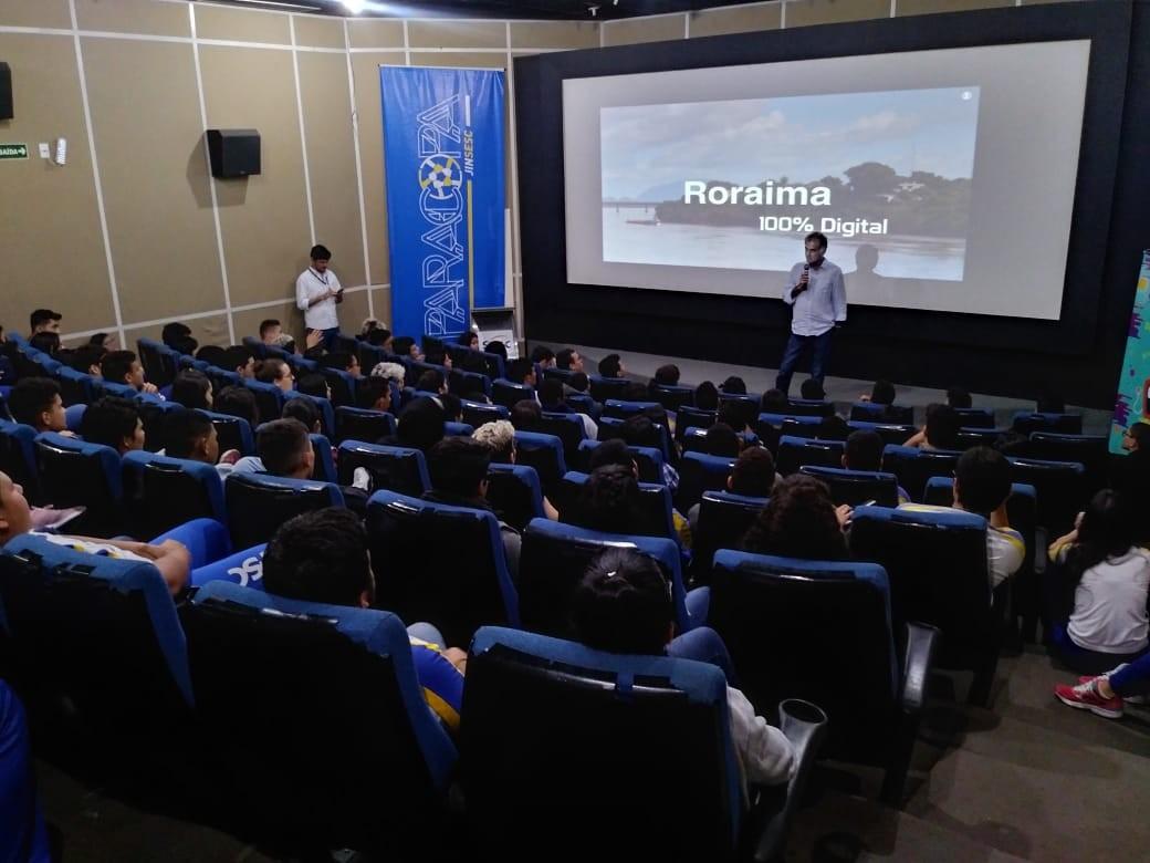 Diretor de projetos especiais da Rede Globo palestra sobre a mudança do sinal analógico para o digital em RR