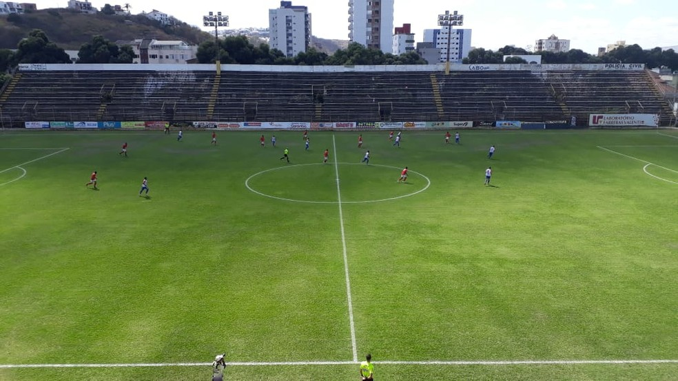 Valadares Esporte Clube enfrentou Boston City — Foto: Cristiano Dias / Inter TV dos Vales