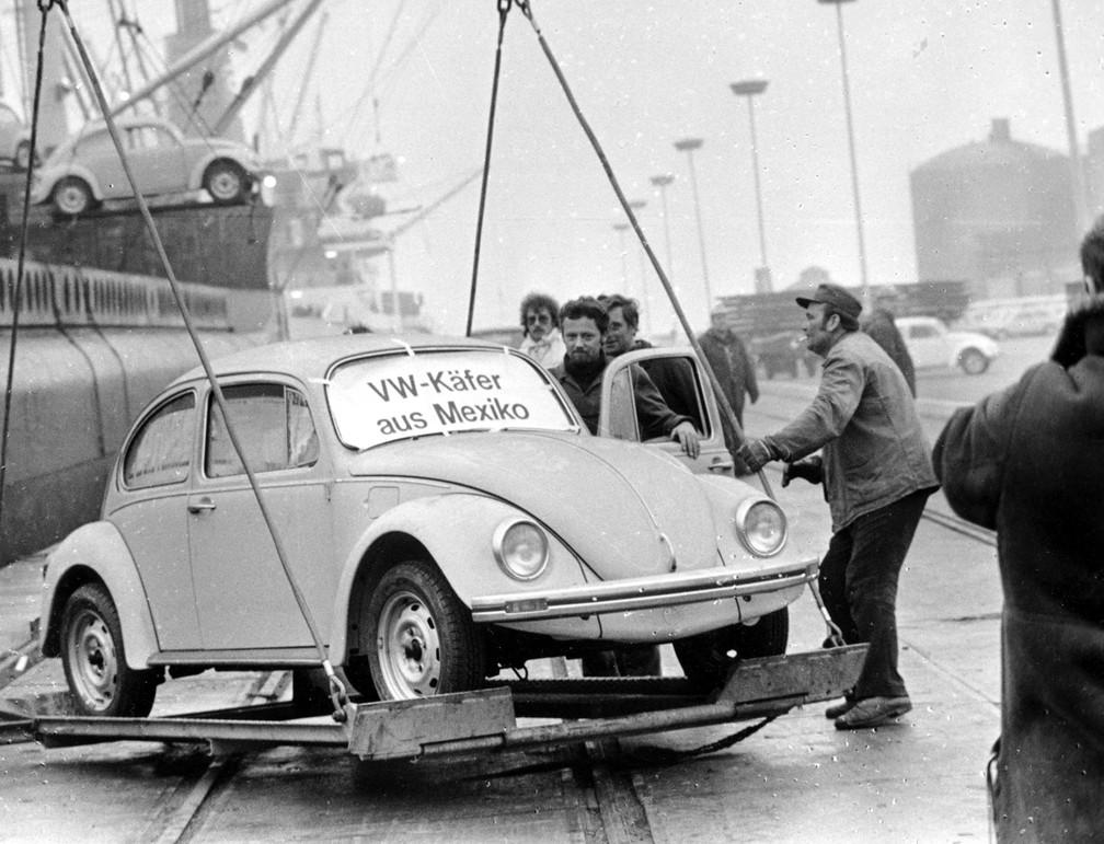 fusca-arquivo3 Você sabia que a Volkswagen encerrou a produção mundial do Fusca? Veja como foi a despedida...