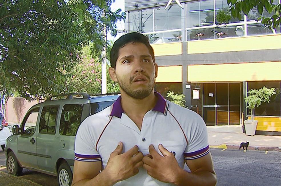 Irmão de estudante encontrado morto em academia diz que irmão não teve chance de ser socorrido — Foto: Reprodução EPTV