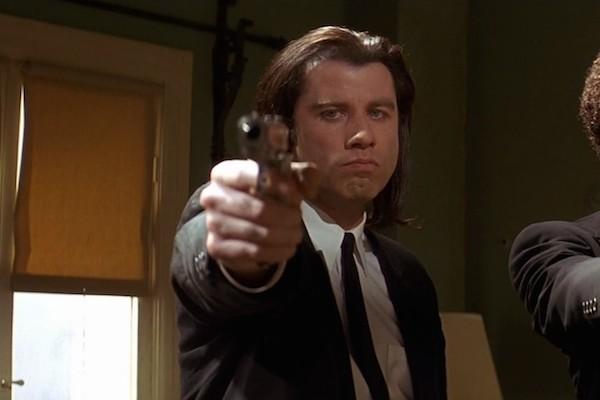John Travolta em cena de Pulp Fiction (1994) (Foto: Reprodução)
