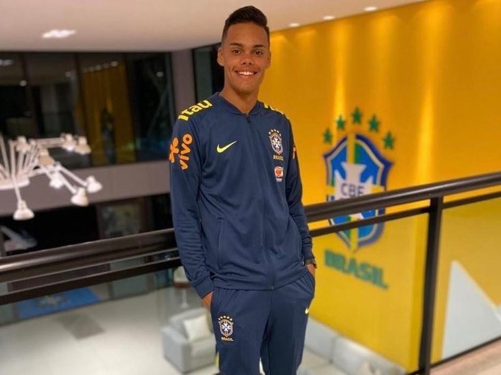 Rumo ao Flamengo, Kawe tem passagem pela seleção brasileira sub-16 — Foto: Divulgação