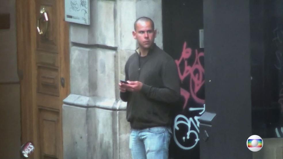 Guilherme Longo foi localizado pelo Fantástico em Barcelona, na Espanha (Foto: Fantástico/Reprodução)