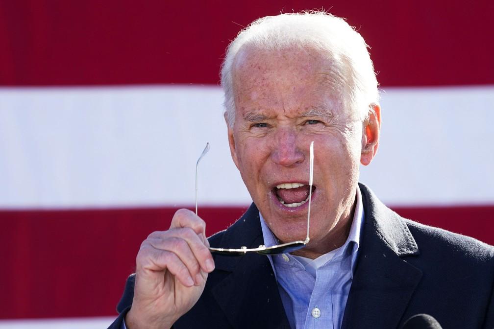 Joe Biden, candidato à presidência dos EUA, durante evento na Pensilvânia em 2 de novembro — Foto: Kevin Lamarque/Reuters