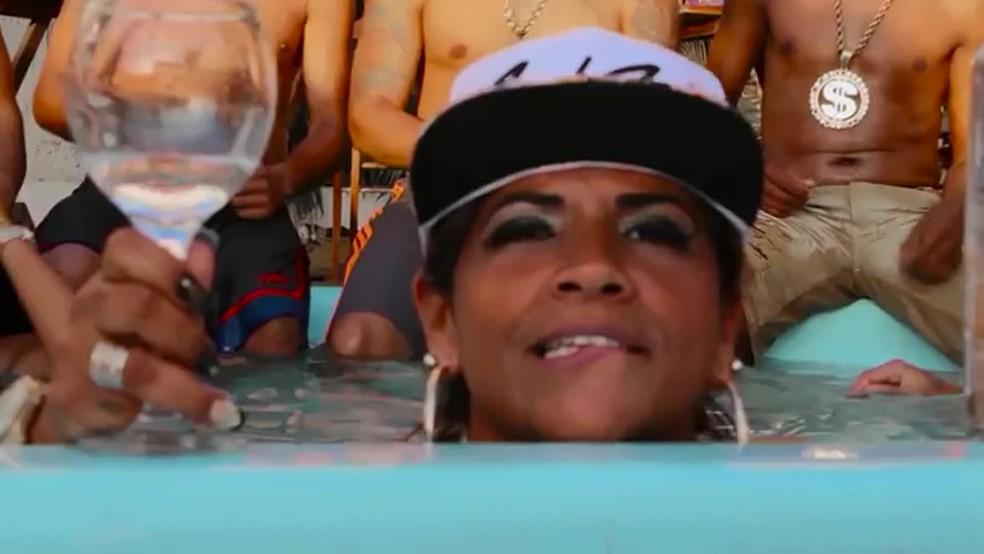 Funkeira Fernanda Rodrigues, a MC Atrevida, morreu no dia 27 desse mês após um procedimento em uma clínica de estática em Vila Isabel — Foto: Reprodução / TV Globo