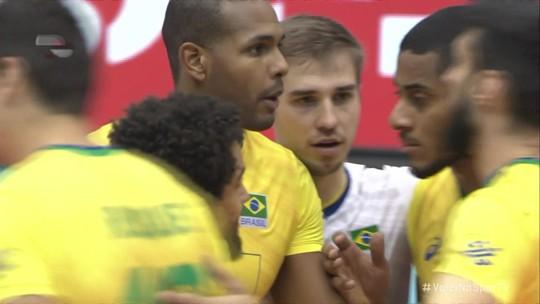 3º set: Leal faz ace e fecha o set para o Brasil 25/14