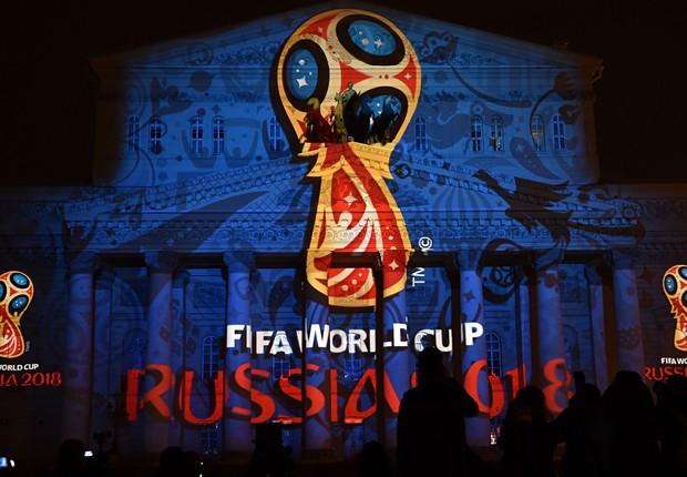 Logo da Copa do Mundo na Rússia é projetado na fachada do Teatro Bolshoi (Foto: Getty Images)