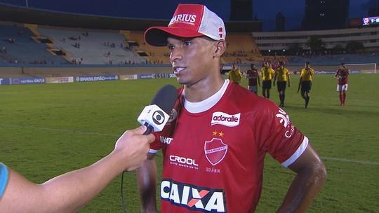 Autor do gol da vitória, Mateus Anderson fala sobre a estreia do Vila Nova na Série B