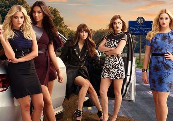 """O elenco da série """"Pretty Little Liars"""" reunido (Foto: Reprodução)"""