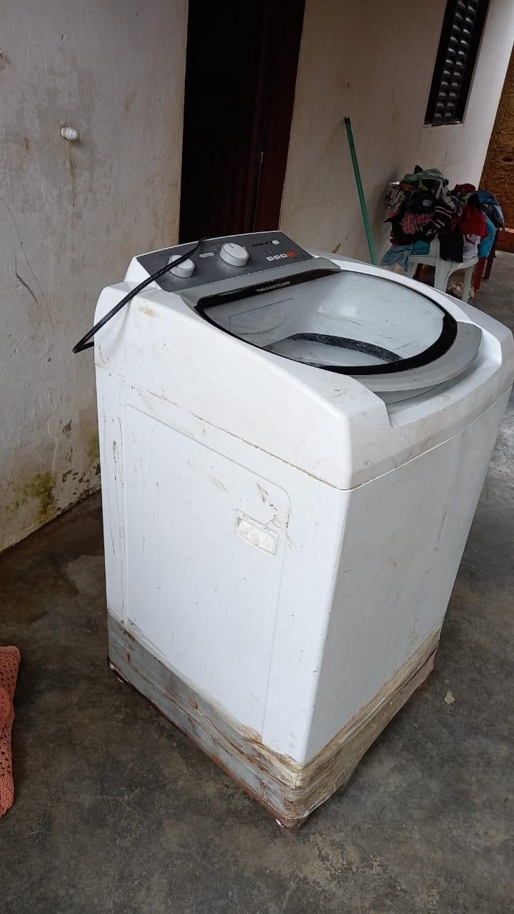 Mulher é presa com drogas e munições após comprar máquina de lavar roupas furtada por R$ 50