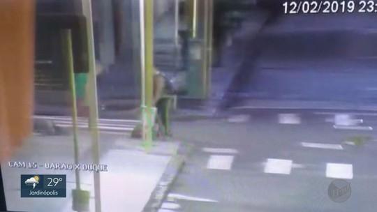 Moradora de rua espancada por 2 homens em Ribeirão Preto recebe alta da Santa Casa