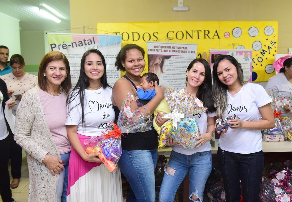 Mães e grávidas foram contempladas com entrega de kits com produtos de higiene e utensílios — Foto: Assis Lima/Arquivo pessoal