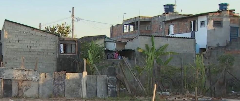 Desocupação do Jardim Conquista é alvo de polêmica em Jacareí (Foto: Reprodução/TV Vanguarda)
