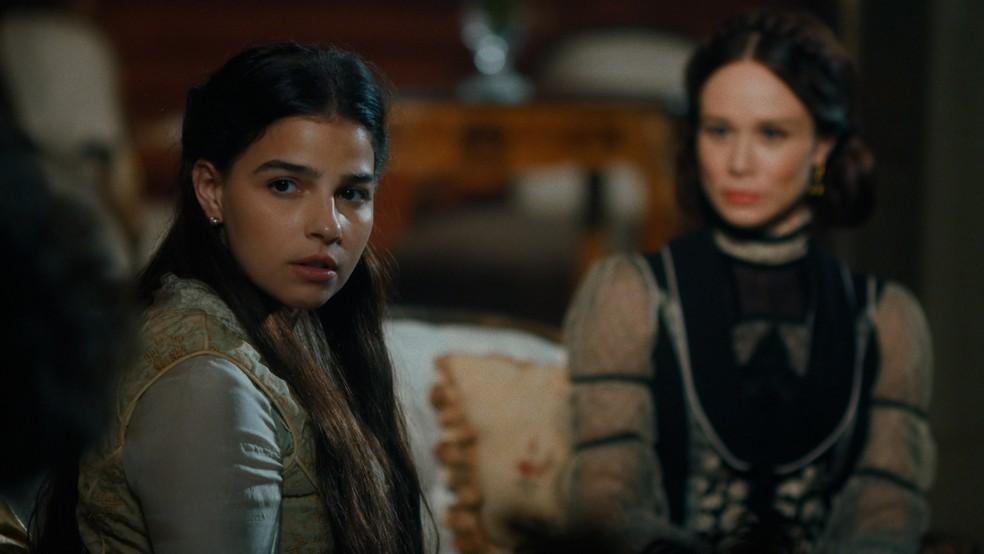 Pilar (Gabriela Medvedovski) colocará Jorge/Samuel (Michel Gomes) contra a parede em 'Nos Tempos do Imperador' — Foto: Globo