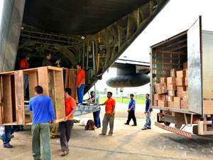 Um dos aviões da FAB chegou ainda na quarta-feira (26) ao aeorporto de Rio Branco (Foto: Assis Lima/PMRB)