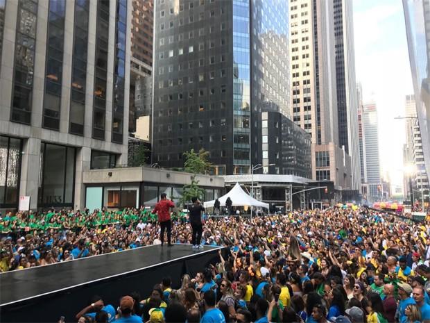 Matheus & Kauan levantam o público do Brazilian Day, em Nova York (Foto: Carla Neves / QUEM)