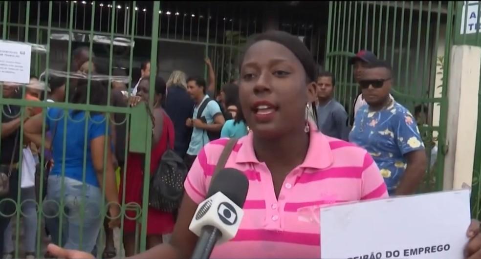Atendente Daniela Batista diz que não encontrou vagas de emprego no local — Foto: Reprodução/TV Subaé