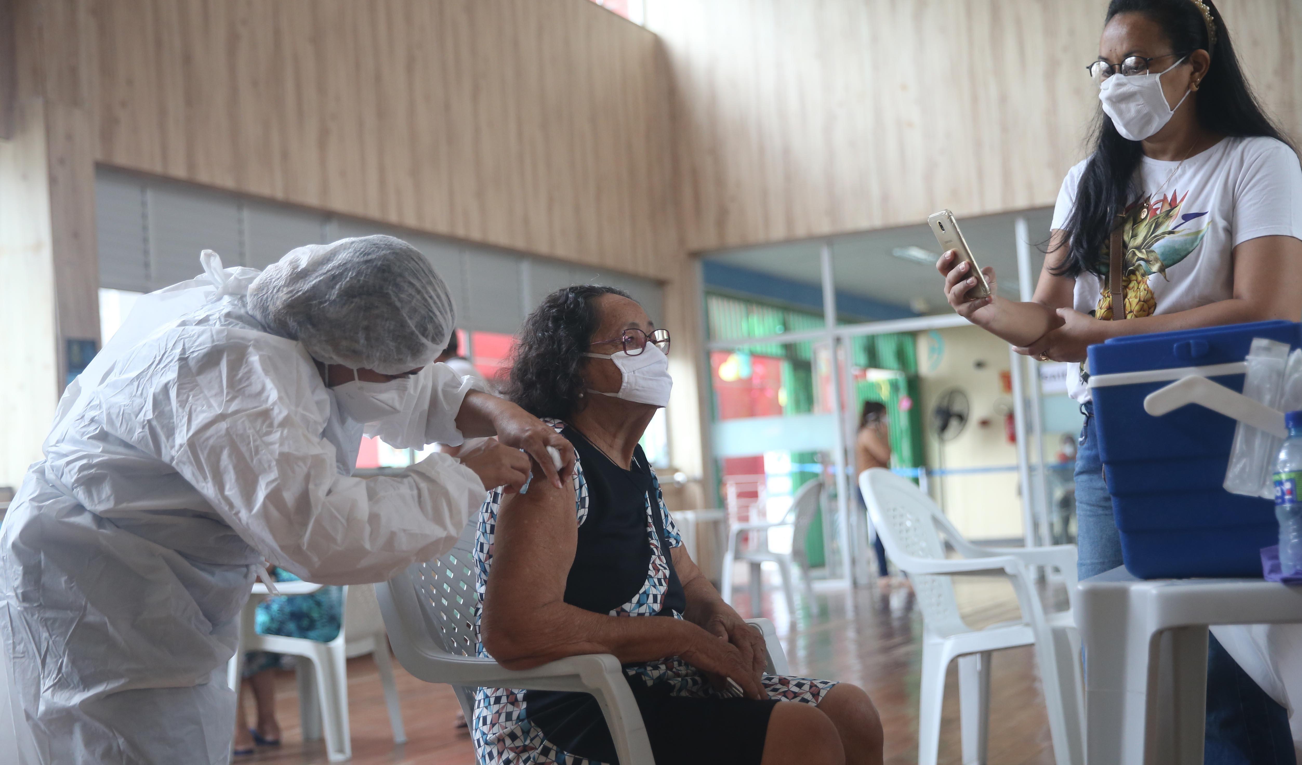 Sesi da Parangaba, em Fortaleza, ganha ponto de vacinação contra Covid-19