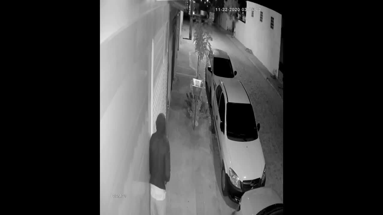 Criminosos invadem casa, fazem arrastão e fogem no carro da família em Extremoz