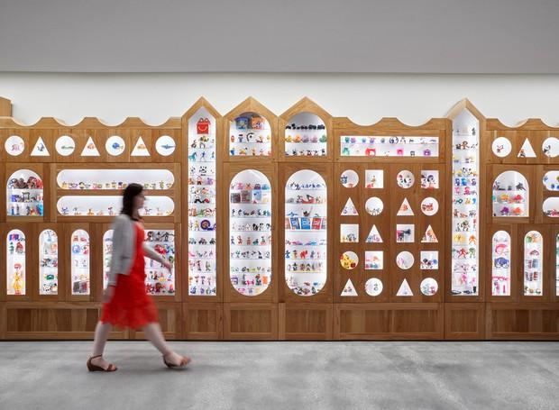 Há uma espécie de museu com os brinquedos brinde do Mc Lanche Feliz (Foto: arrett Rowland/ Reprodução)