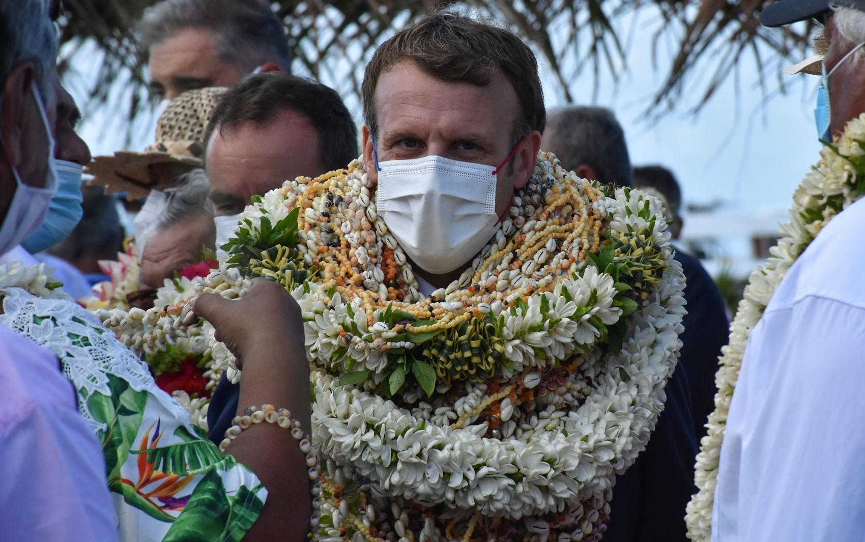 Macron não pede desculpas, mas reconhece 'dívida' da França com a Polinésia por testes nucleares