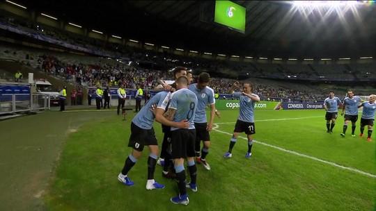 Trio disputa a vaga do volante Vecino, cortado da Copa América por lesão muscular