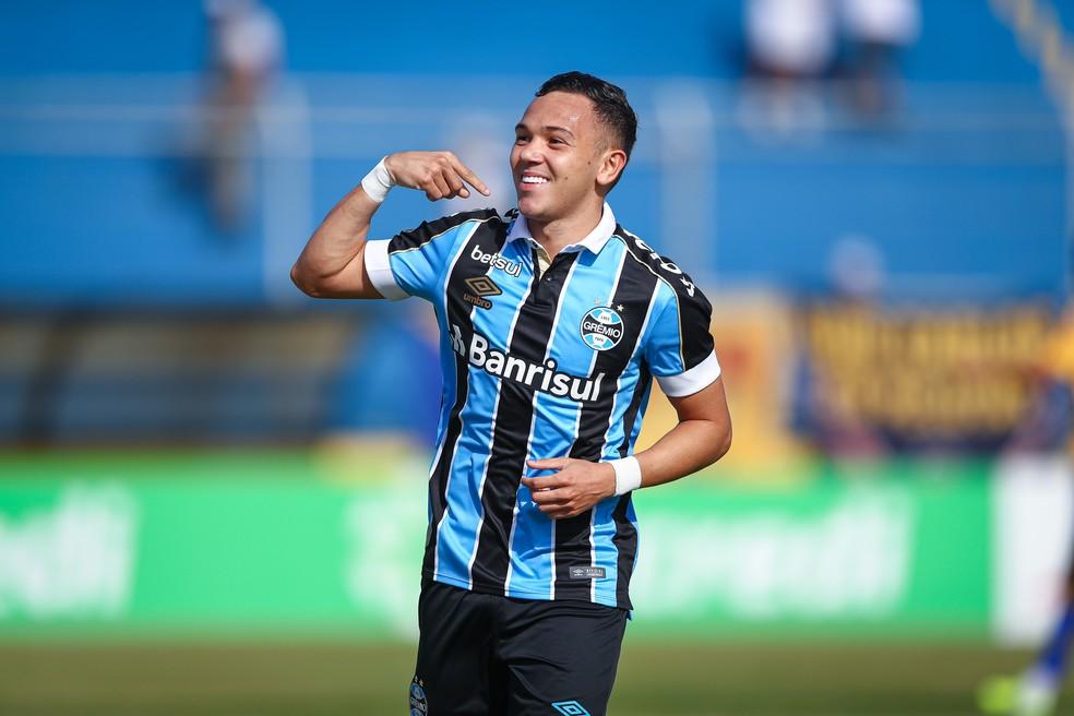 Pepê marcou aos dois minutos do primeiro tempo contra o Pelotas — Foto: Lucas Uebel/DVG/Grêmio