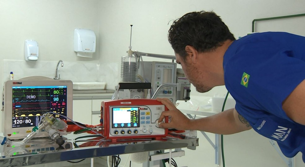 Veterinários disponibilizam equipamentos para auxílio das equipes de saúde que combatem o coronavírus — Foto: Reprodução/EPTV