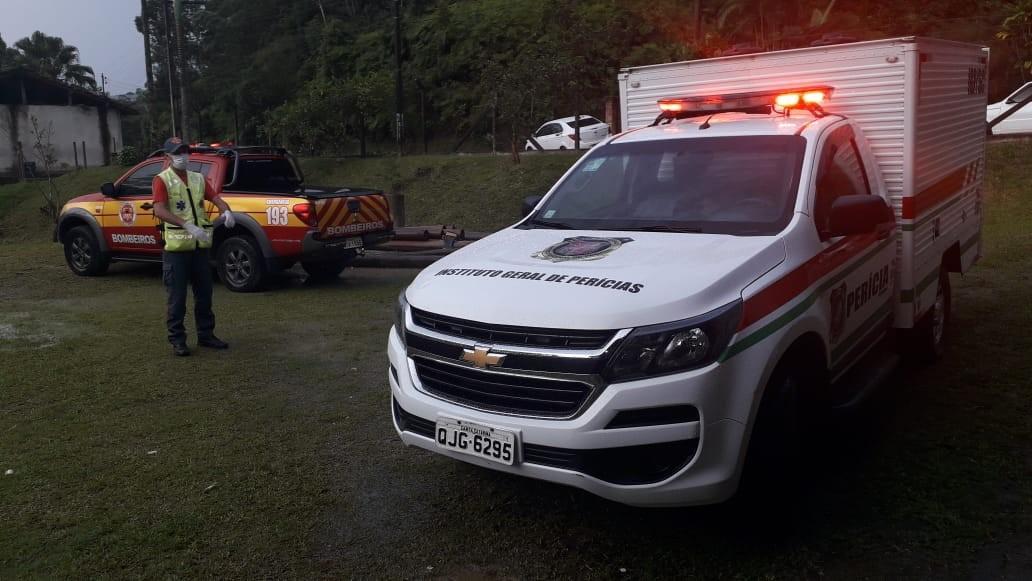 Criança de 3 anos é encontrada morta em lagoa perto de casa em SC