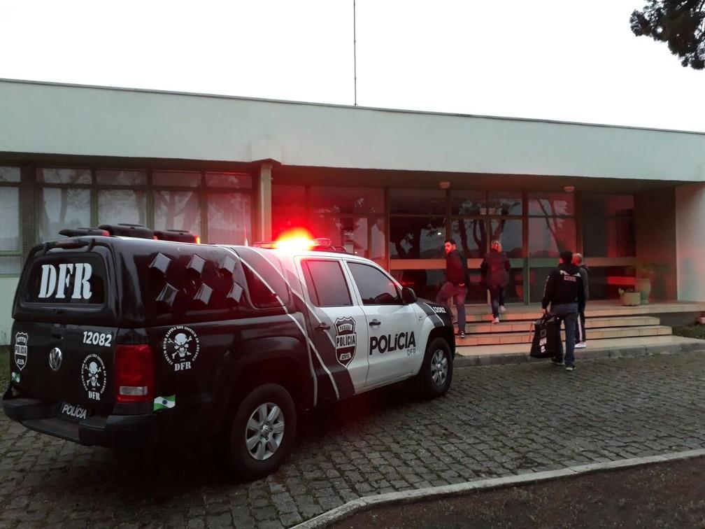 Operação cumpre mandados em cidades do Paraná, São Paulo, Goiás e Distrito Federal  (Foto: Divulgação/Polícia Civil )