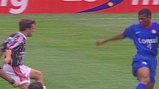 """Lembra dele? Adhemar critica mesmice do futebol e pede inovação: """"Está difícil assistir"""""""