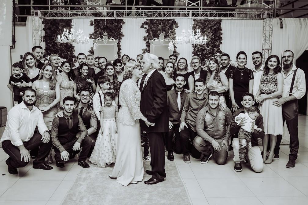 Um dos filhos, que é pastor, celebrou as bodas de diamante do casal (Foto: Gabriel Rodrigues/Reprodução)
