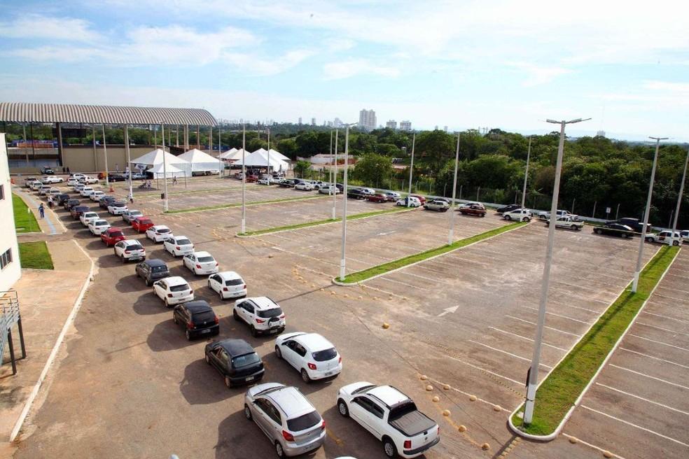 Polo de vacinação contra a Covid-19 na Univag, em Várzea Grande — Foto: Assessoria