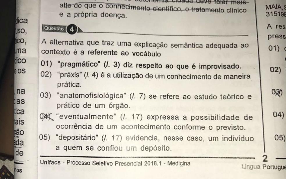 Alternativa estava destacada em negrito na prova do vestibular de medicina da Unifacs, em Salvador (Foto: Arquivo Pessoal )