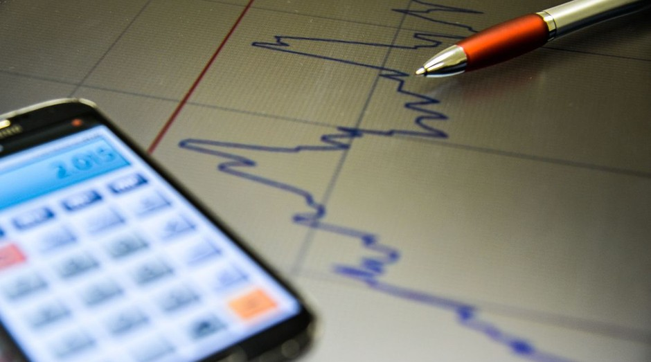 Economia, calculadora, pib, inflação, dinheiro (Foto: Marcello Casal Jr./Agência Brasil)