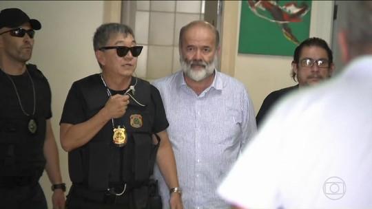 TRF4 reverte decisão de Moro e absolve João Vaccari Neto