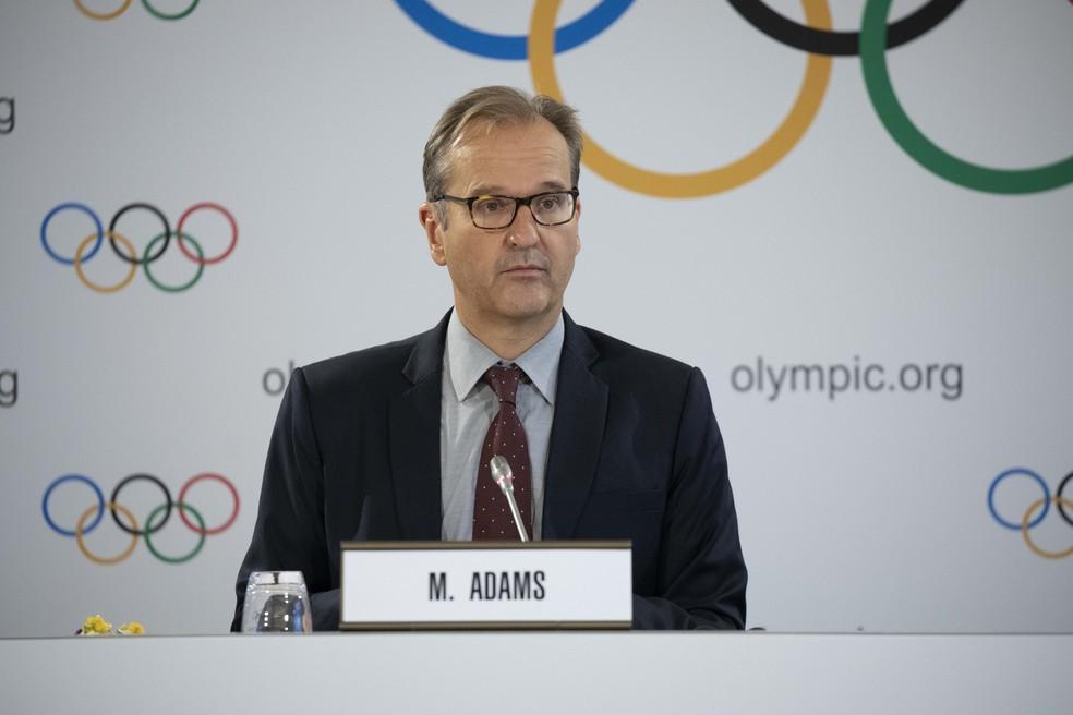 Porta-voz do COI, Mark Adams concedeu entrevista em Tóquio — Foto: IOC   Greg Martin