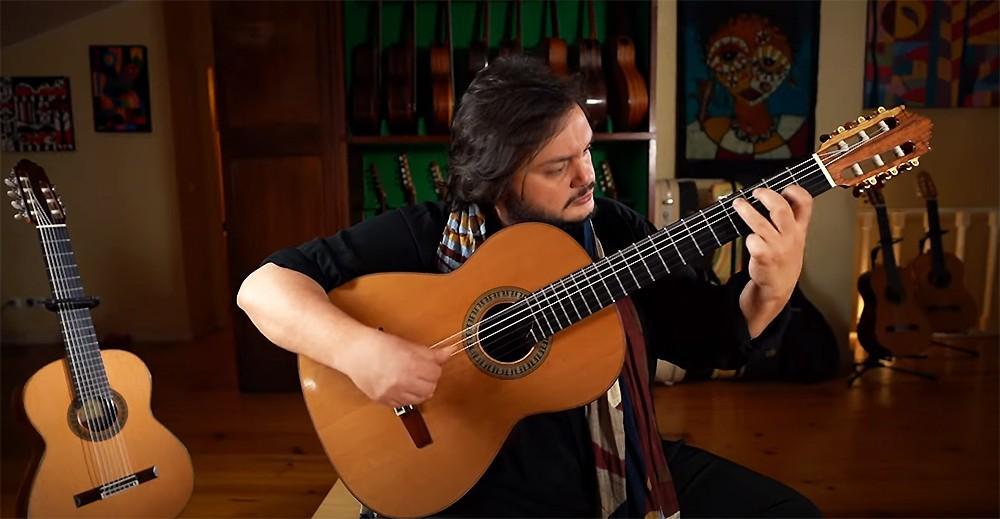 Yamandu Costa apresenta música 'Serelepe', inspirada pelos 'pulos alegres' dos filhos do violonista