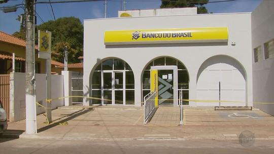 Polícia suspeita que criminosos tenham errado alvo em ataque a banco em Minduri, MG