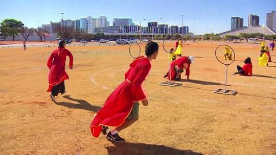 Brasilienses se reúnem para praticar quadribol, esporte de Harry Potter